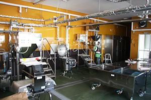 大豆ペースト製造室